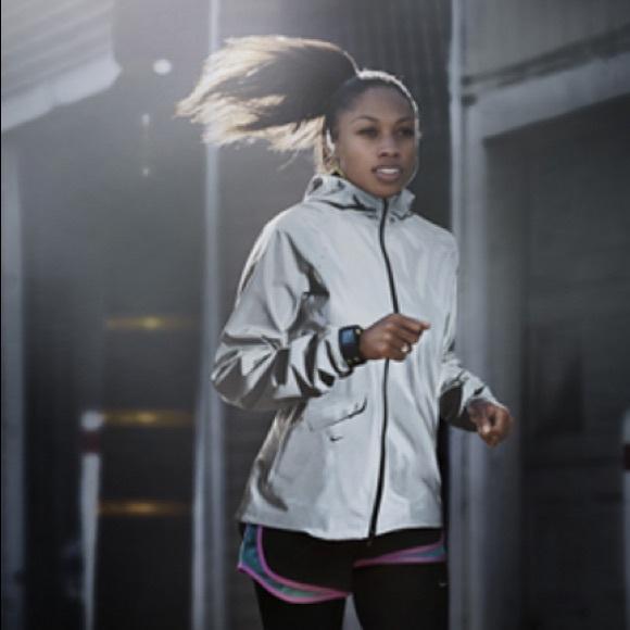 Nike women s Vapor Flash Jacket Size Medium. M 5b00896b077b97604b8cd952 b56860c0d